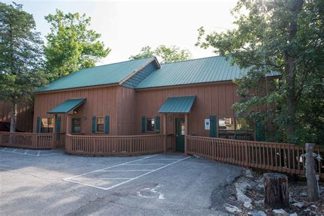 the cabins at green mountain in branson hotel rates