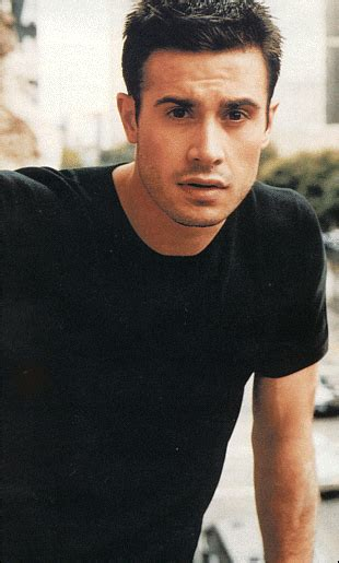 celebrity crush growing up heal yourself with this freddie prinze jr meditation
