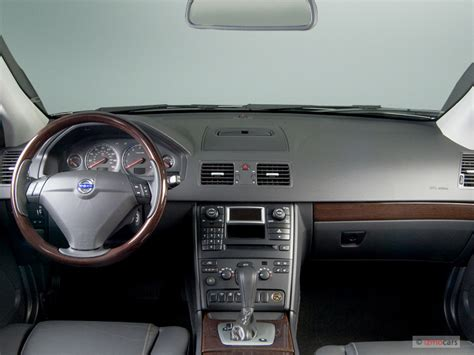 image  volvo xc   awd auto dashboard size    type gif posted