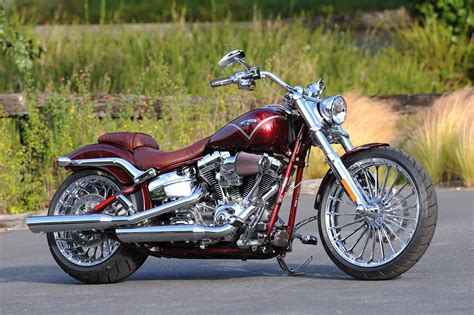 J E Custom Home Designs Inc by Racing Caf 232 Harley Davidson Fxsbse Cvo Breakout 2013 1