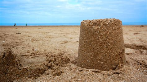 A Castle Of Sand the science of building the sandcastle gizmodo