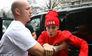 Angry bieber leaped out from his car in london this month to confront