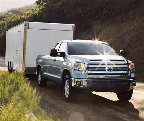 How Much Can A Toyota Tundra Tow 2016 Toyota Tundra Vs 2016 Nissan Frontier Towing Capacity