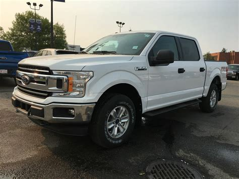 New Ford 2018 F 150 by New 2018 Ford F 150 Xlt Fx4 In Calgary 18f12979 Maclin Ford