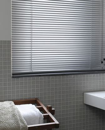 Ready Made Venetian Blinds by What To Look For In Ready Made Venetian Blinds Blogbeen