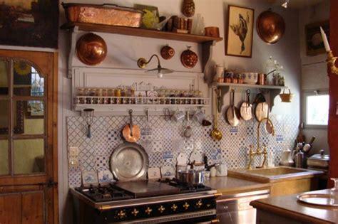 land französisch küchenschränke k 252 che kleine k 252 che landhausstil kleine k 252 che kleine