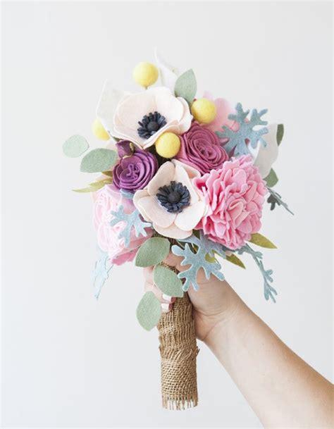 bouquet diy bouquet de mari 233 e diy avec des fleurs en feutrine 20