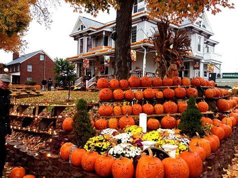 kenova pumpkin house the parthenon thundering nerds kenova pumpkin house numerical pumpkins