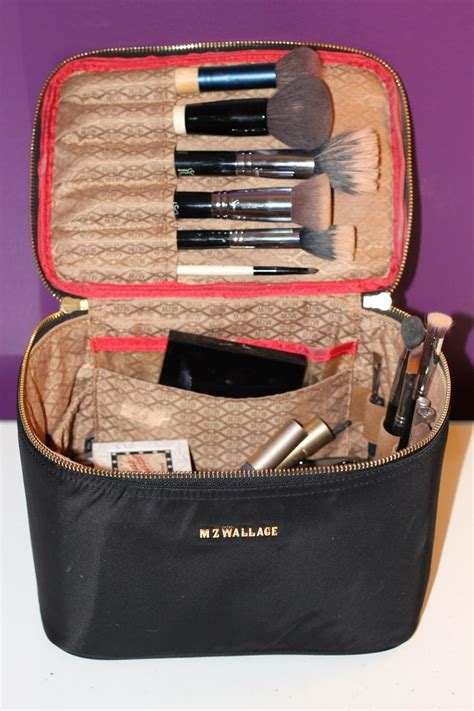 best cosmetic bag 25 best ideas about makeup bag organization on