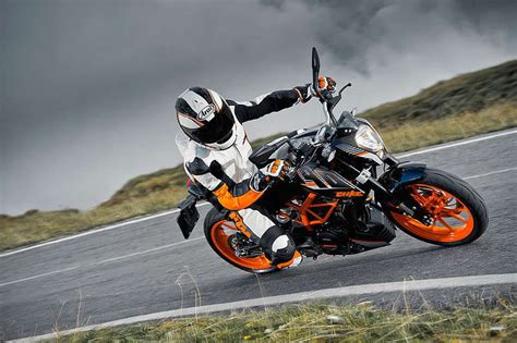 Ktm 390 Top Speed 2015 Ktm 390 Duke Picture 585872 Motorcycle Review