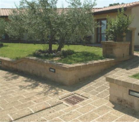 pavimenti in tufo il fiorditufo pietra versatile e economica per le