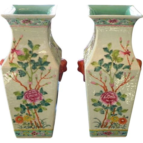 wholesale chinese style antique square pair antique chinese porcelain famille rose square vases