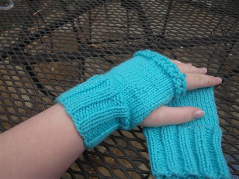 pattern for magic loop mittens to live a life amelia fingerless gloves pattern