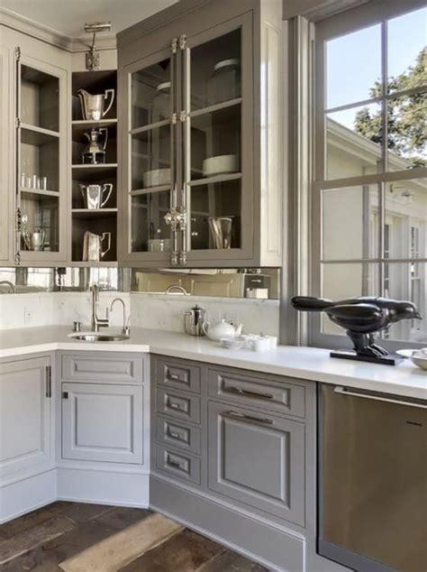 kitchens  solve  awkward corner conundrum