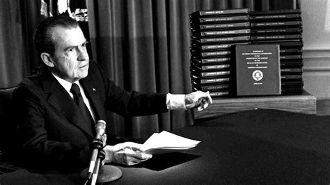 richard nixon and watergate the of the president and the that brought him books president nixon and watergate daily press