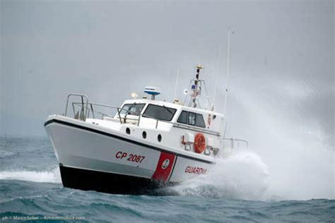 ufficio circondariale marittimo porto santo stefano giovane sub al giglio soccorsa dalla guardia costiera