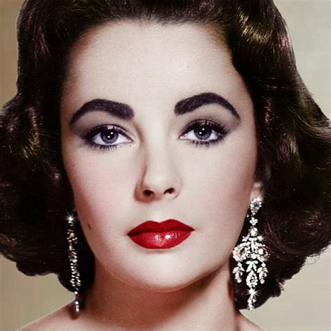 what lipstick color dose liz on blacklist wear perfect elizabeth taylor eyes makeup eyelashes eye