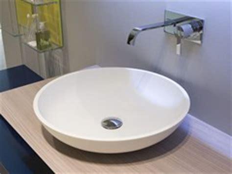 corian unterbauwaschbecken rundes waschbecken aus ceramilux 174 triotondo by antonio