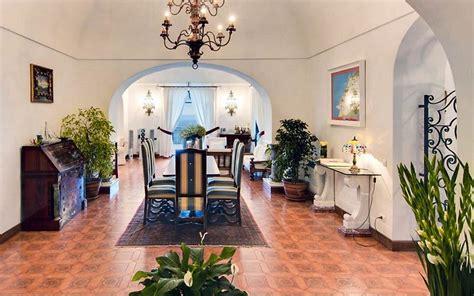 villa oliviero map location  villa oliviero