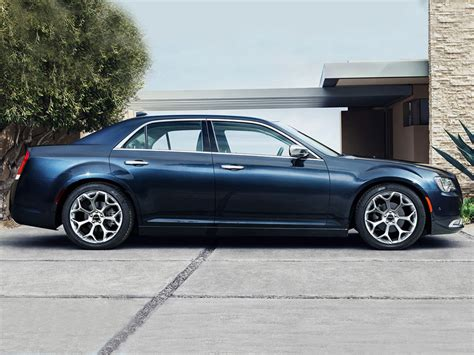 Is The Chrysler 300 Front Wheel Drive why a front wheel drive chrysler 300 is dumb web2carz