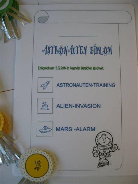 astronauten matratze astronauts birthday diploma emblem astronauten diplom und