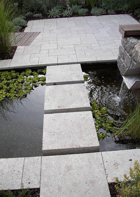 terrasse und formales wasserbecken terrassengestaltung ideen