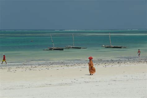 turisti per caso zanzibar spiaggia di kiwengwa viaggi vacanze e turismo turisti