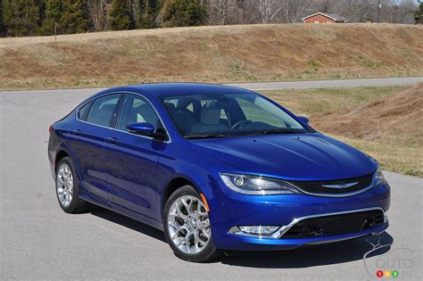 Reviews 2015 Chrysler 200 by 2015 Chrysler 200 Car Reviews Auto123