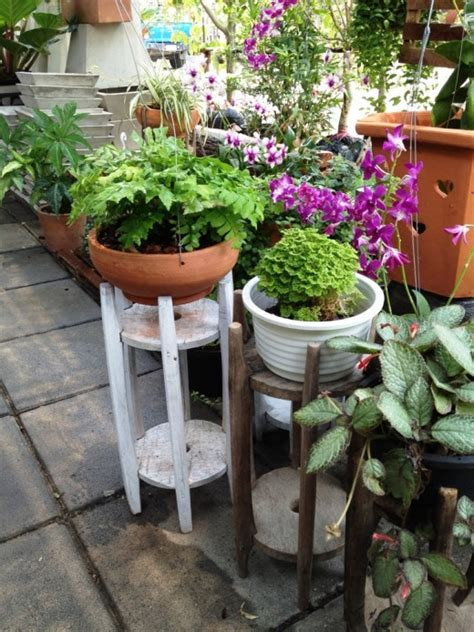 How To Grow Plants In Pots Pot Gardening Tips Hubpages How To Arrange A Vegetable Garden