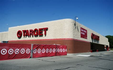 grocery stores lincoln ne target to remodel edgewood store expand grocery offerings