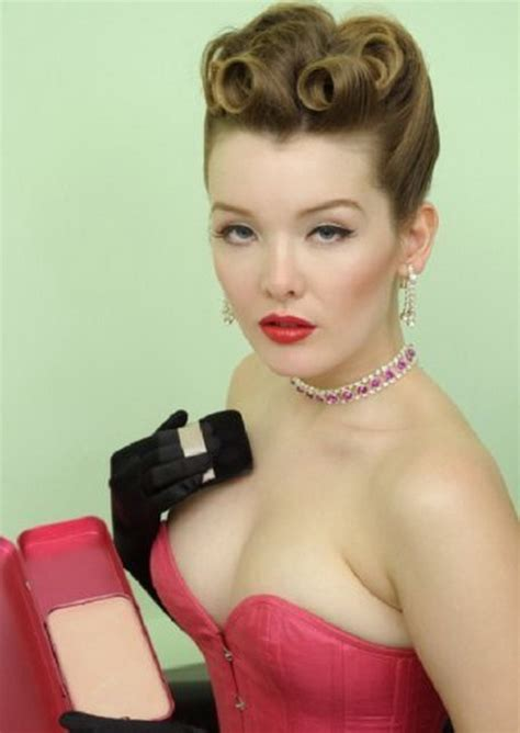 pin up hairstyles for short