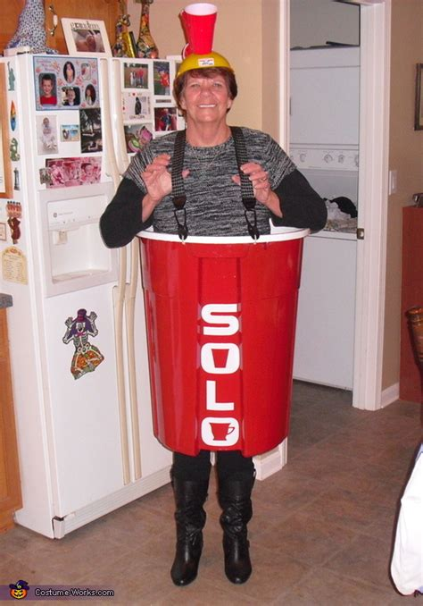 toby keith halloween costume red solo cup costume
