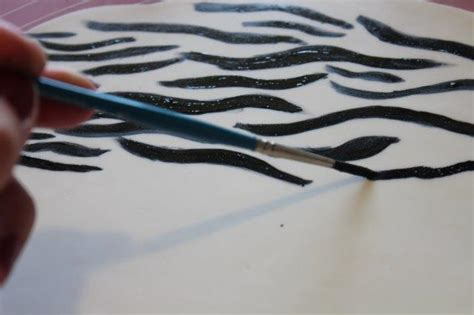 paint colors to match zebra print how to make an animal print cake giraffe zebra and