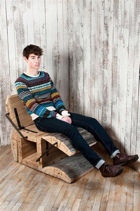 Diy Recliner Chair by Tree Trunk Recliners Diy Log Furniture