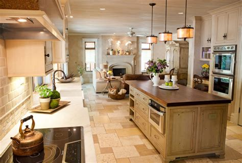 Kitchen Cabinets St Louis Mo Distressed Cabinets Kitchen Renovation St Louis Mo Traditional Kitchen St Louis