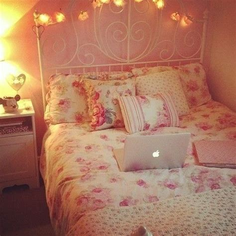 44 best images about girly bedrooms on pinterest red 33 best images about girly room decoration on pinterest