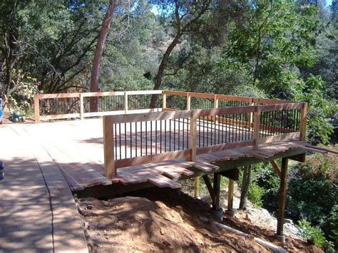 building a deck on a sloped backyard 25 best ideas about hillside deck on pinterest sloped
