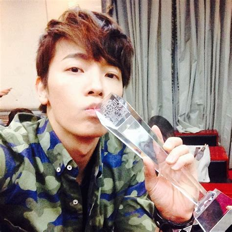 donghae twitter 140329 donghae twitter and instagram update super junior