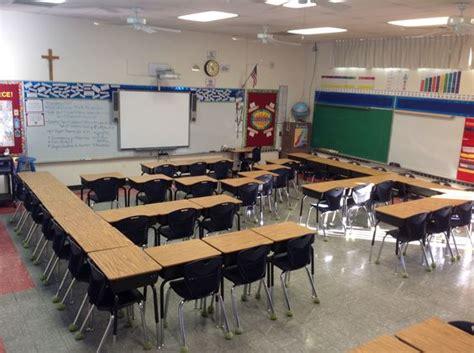 classroom layout for talkative students desk arrangements desks and classroom on pinterest