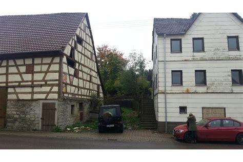 Ein Haus Verkaufen by Ein Renovierungsbed 252 Ftiges Haus Mit Scheune In D 246 Rzbach