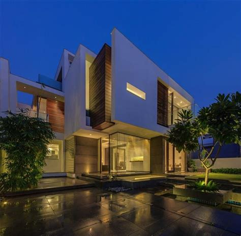 house overhang modern overhang residence in new delhi india hiconsumption