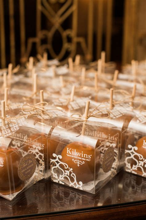 18 Wedding Favor Ideas That Aren't Useless (or Boring