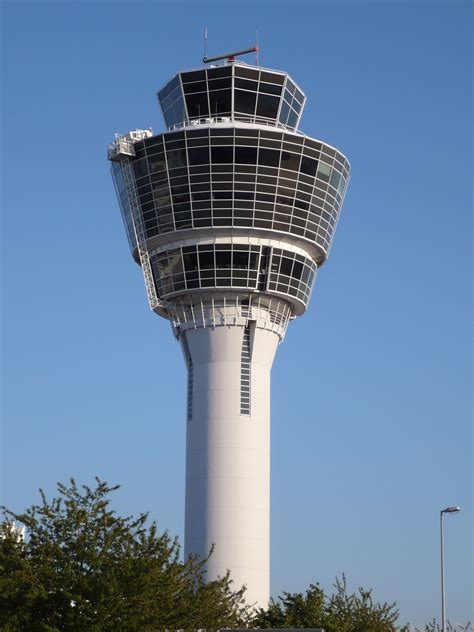pictures of tower file muc tower jpg wikimedia commons