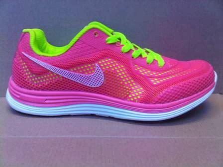 Sepatu Adidas Warna Pink karomakmur sport sepatu running nike run 3