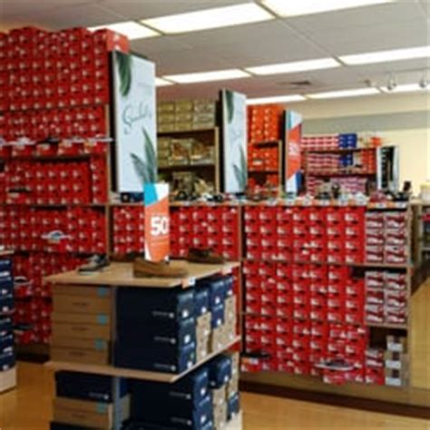 rack room shoes miami fl rack room shoes shoe shops 13609 south dixie hwy miami fl united states phone number yelp