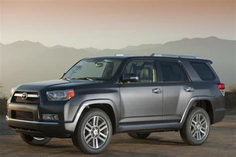 Toyota 4 Runner Review 2010 2013 Toyota 4runner Used Car Review Autotrader