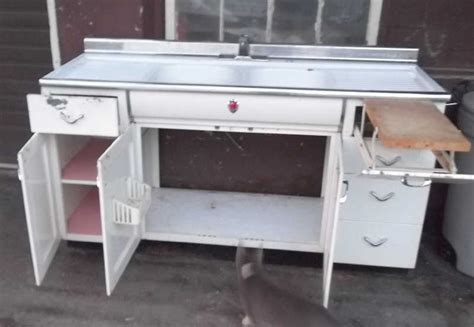 youngstown metal kitchen cabinets vintage metal kitchen cabinet youngstown kitchen