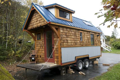 acorn house tiny house town the acorn house by nelson tiny houses