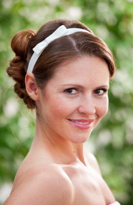 Hochzeitsfrisur Haarband by Brautfrisur Mit Haarband