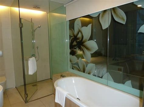 Showers In Singapore Airport by Bathroom Picture Of Crowne Plaza Changi Airport
